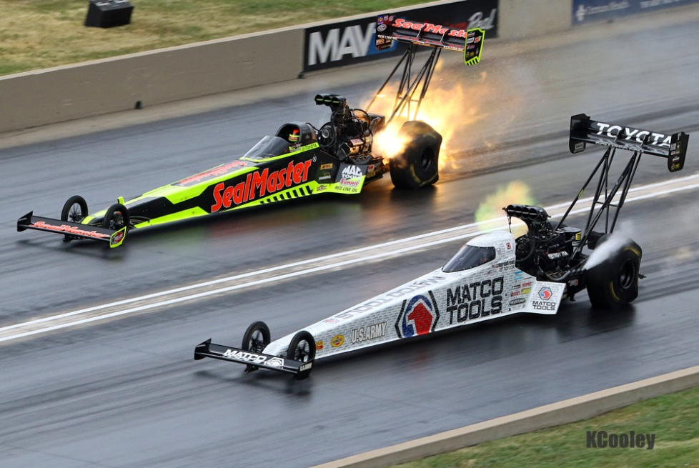 Antron Brown defeated JR Todd in his semifinal match to set up a Team Schumacher final.